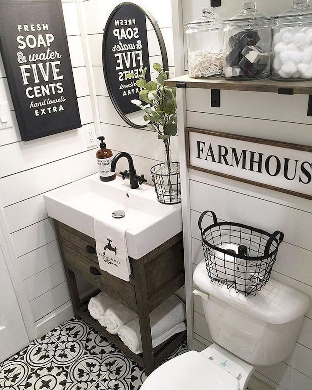 Gorgeous 50 Best Farmhouse Bathroom Tile Remodel