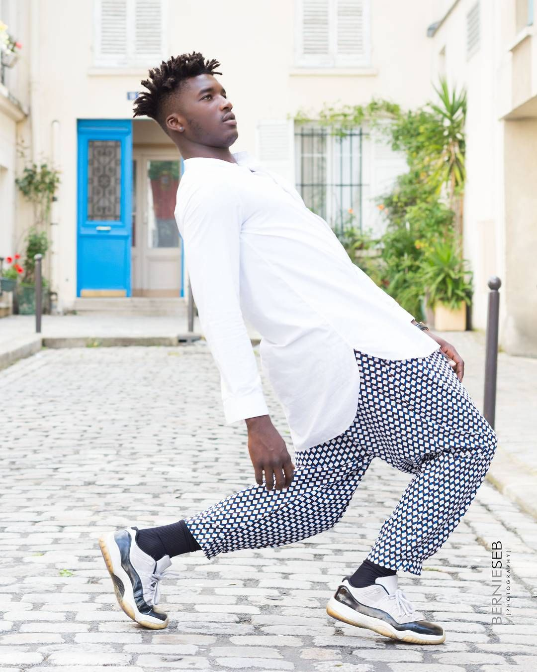 #Mood : #friday attitude!  @ibra5idibe is ready for the weekend in a sporty casual look with our ss17 pants  #delasebure #jordan #js #africanfashion #paris