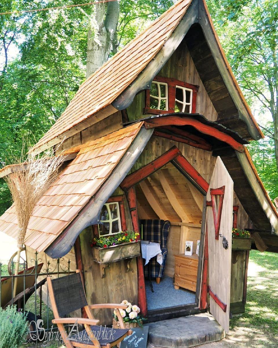 Ein Hexenhaus Gartenhaus Ist Ein Echter Hingucker Im Garten Und Lasst Jeden Besucher Ins Staunen Versetzen Marchenhaus Spielhaus Garten Kinder Spielhaus Garten