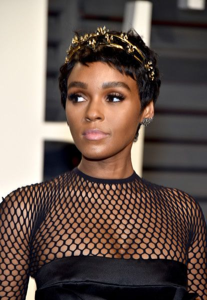 Actor-recording artist Janelle Monae attends the 2017 Vanity Fair Oscar Party hosted by Graydon Carter at Wallis Annenberg Center for the Performing Arts on February 26, 2017 in Beverly Hills, California.