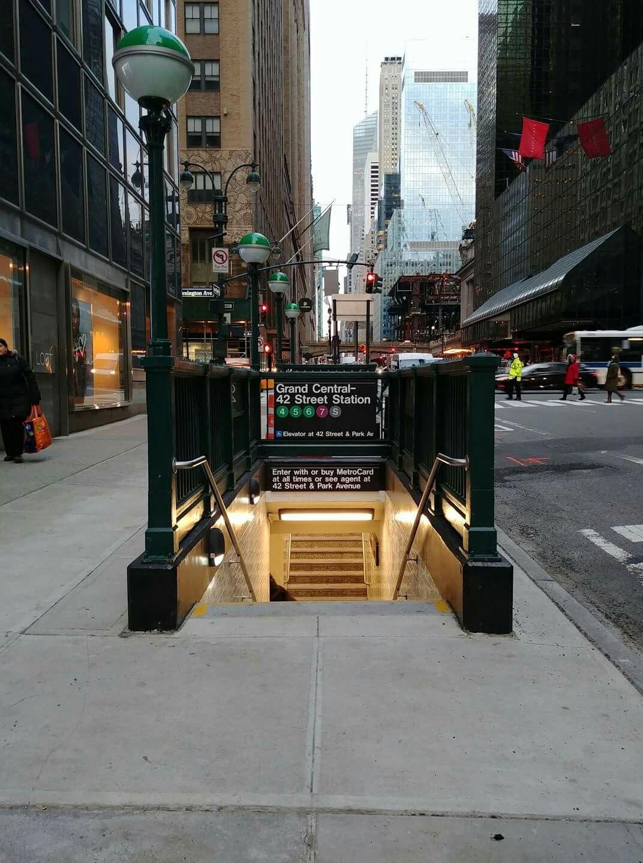 This Morning Newly Opened Subway Entrance On Lex 42nd St Ny Subway Nyc Subway Entrance