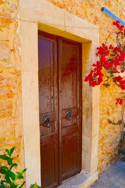 Hersonissoksen yläkylä huokuu historiaa.  #Hersonissos #Kreeta #Aurinkomatkalla #Aurinkomatkat #Aurinkojahti