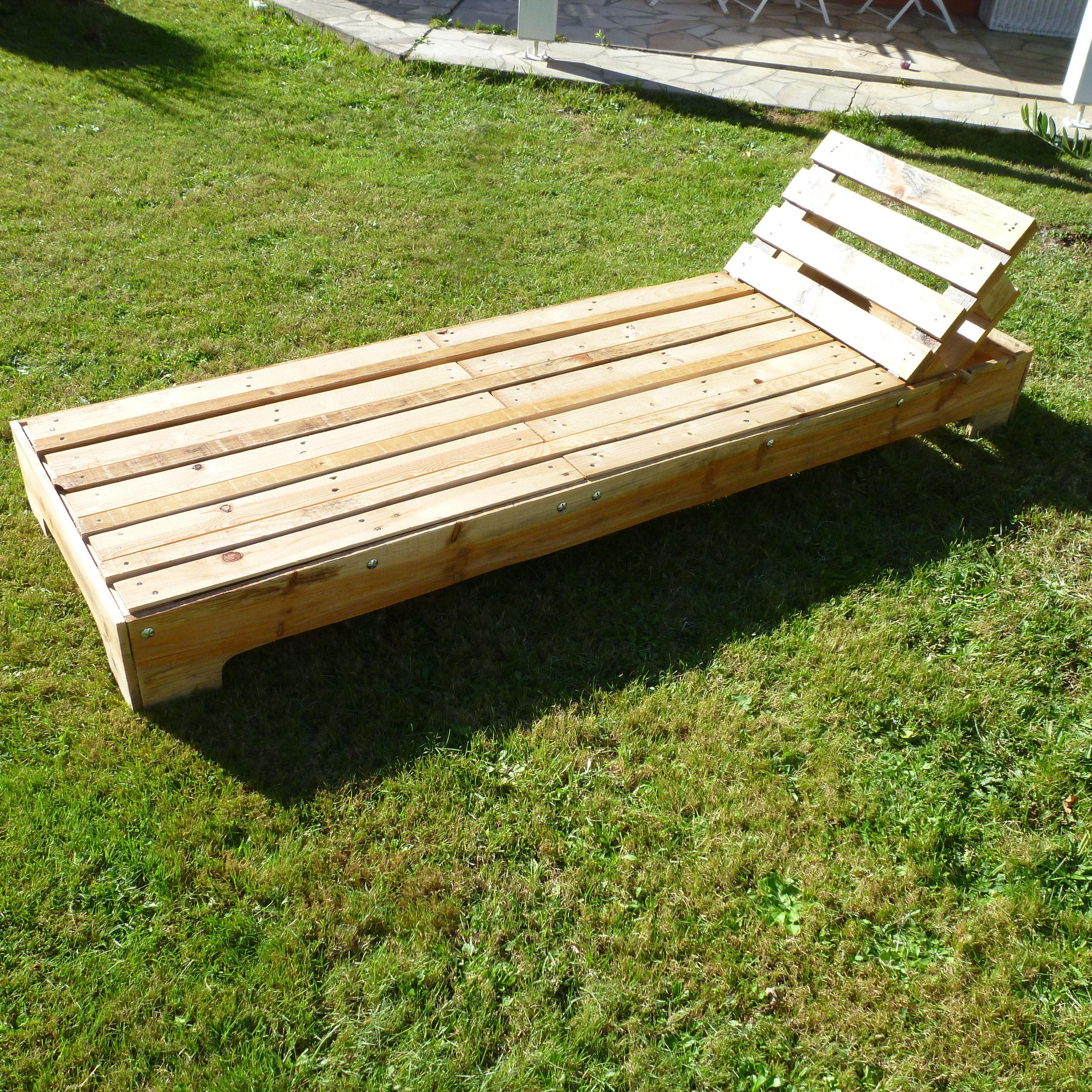 Bain de soleil palette palettes projets pinterest Chaise en bois de palette