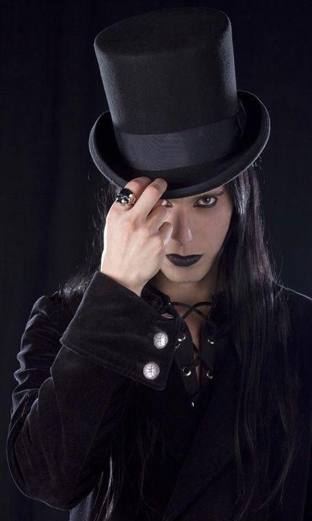 Amazing Gothic Fashion www.zatheka.com/gothic-clothing-uk