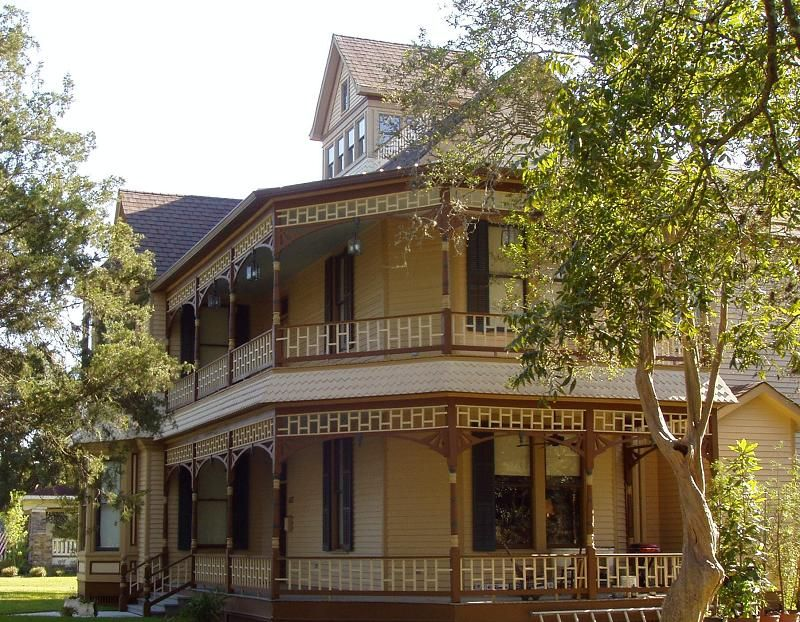 Oldhouses Com 1893 Victorian Queen Anne The Ward House In Sealy Texas Historic Homes For Sale Victorian Homes Queen Anne