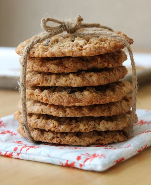 Meaningful Eats: Lacy Oatmeal Cookies with Chocolate and Toffee {Gluten-Free}