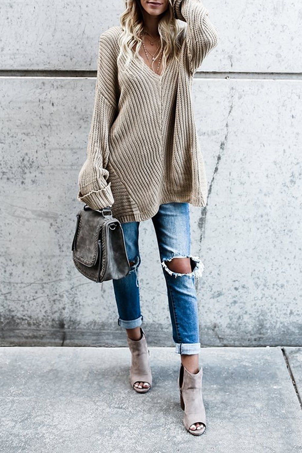 c76f7a390146 20+ Amazing Outfit Ideas for Wearing Oversized Sweaters ...