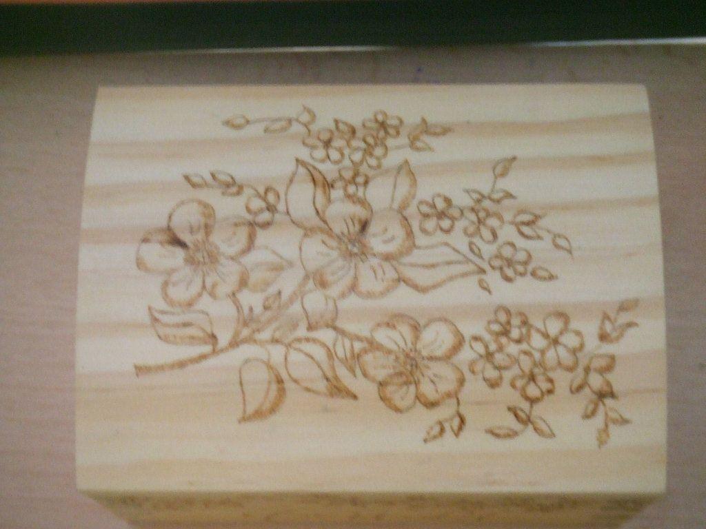 Pirograbado en caja de madera aprender manualidades es - Manualidades cajas madera ...