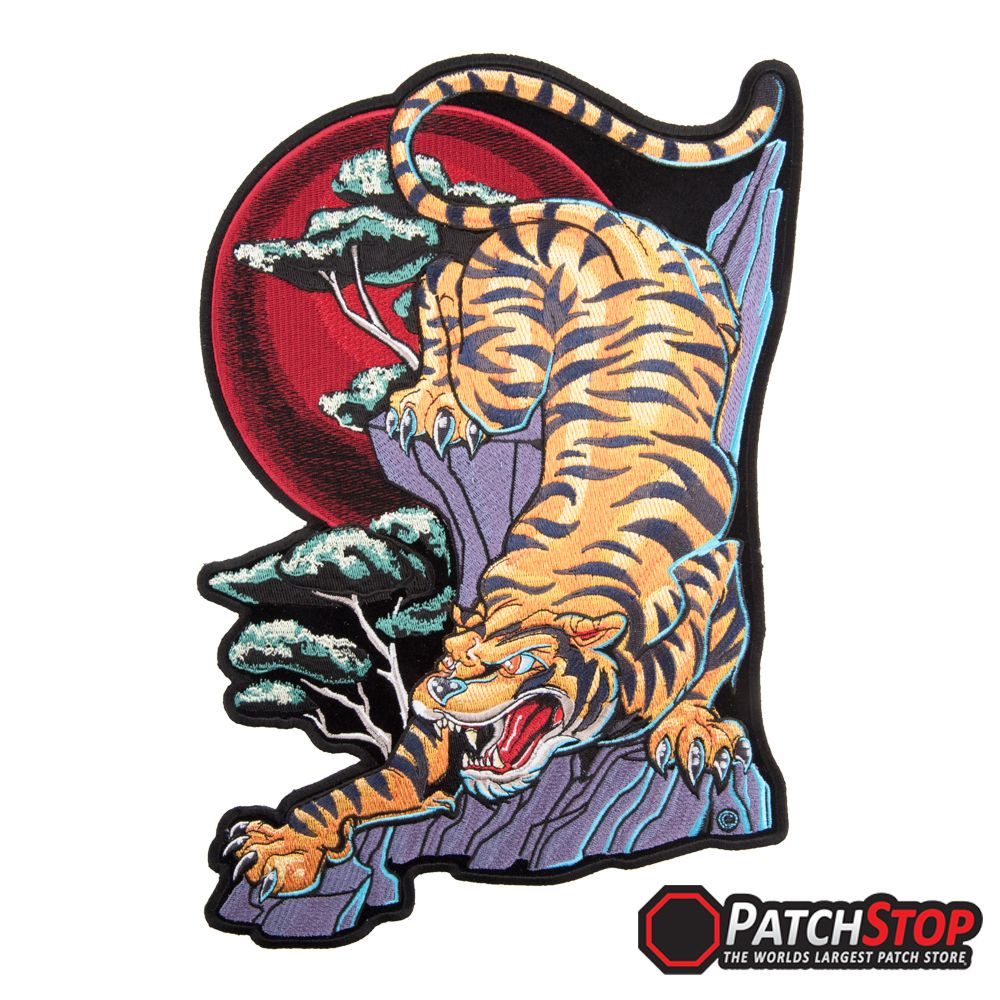 crouching tiger blood moon patch tiger animal patches tattoo tattoo designs and body art. Black Bedroom Furniture Sets. Home Design Ideas