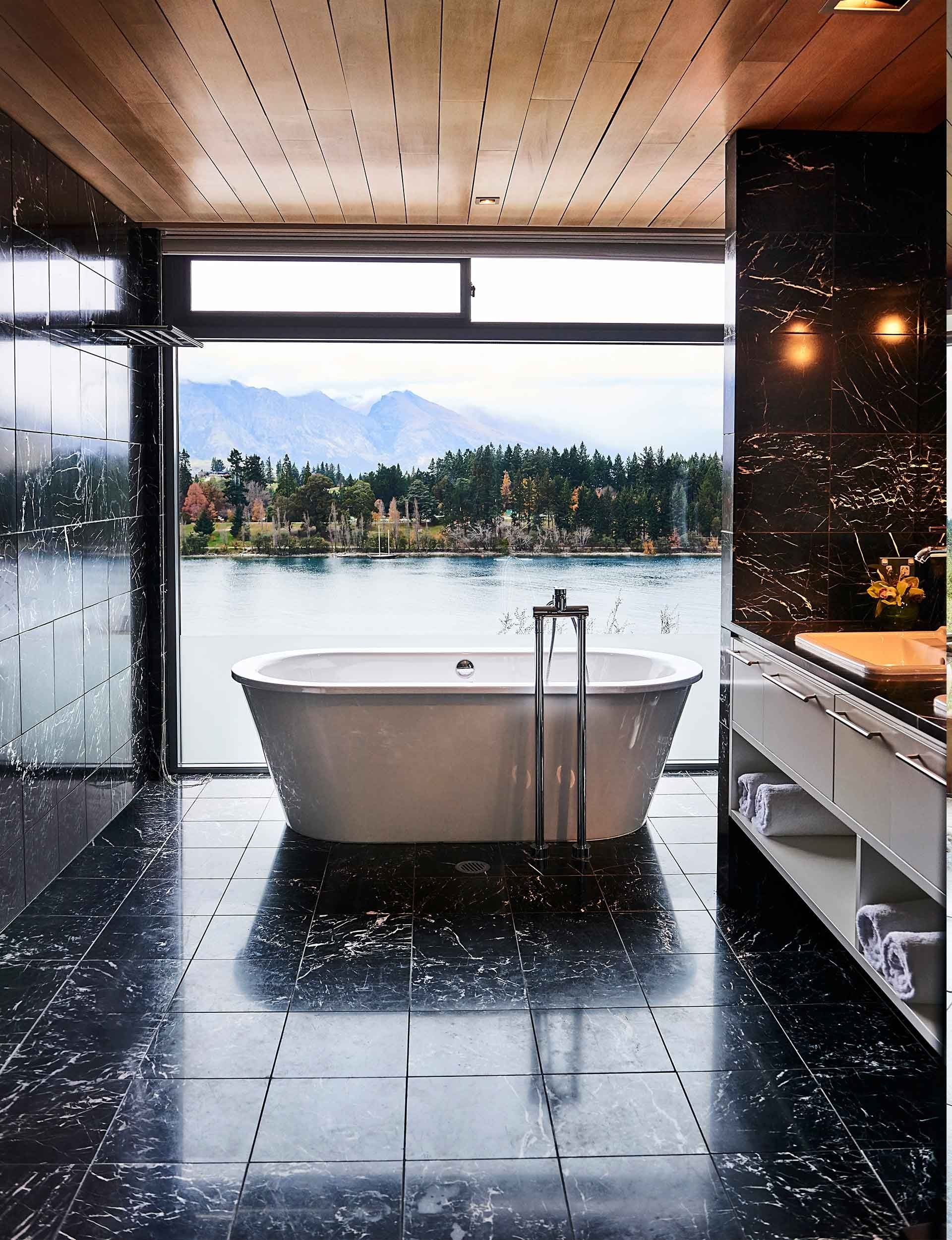 This luxurious queenstown home will inspire your own cosy style