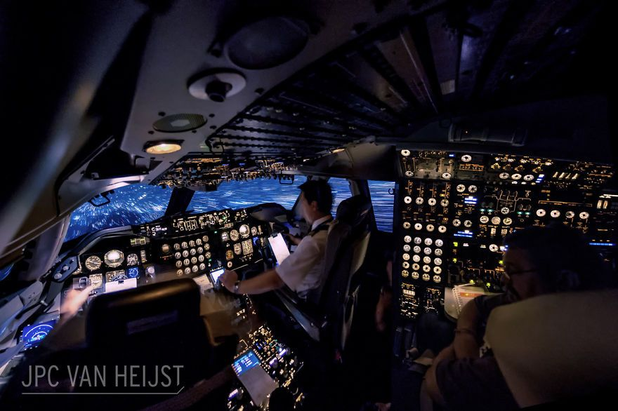 747 Pilot Takes Stunning Photos From His Cockpit Proves That