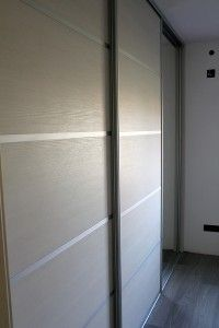 Ugradbeni ormari s kliznim vratima