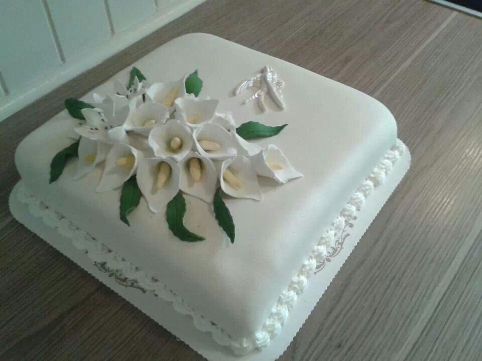 Cake For Funeral Funeral Cake Flower Cake Celebration Cakes