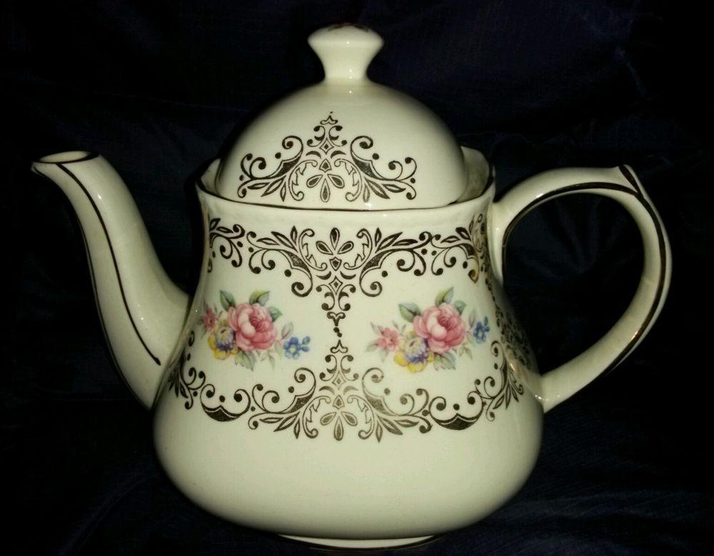 RARE!! Vintage Sadler England Teapot Cameo Roses Design w/ Gold Trim