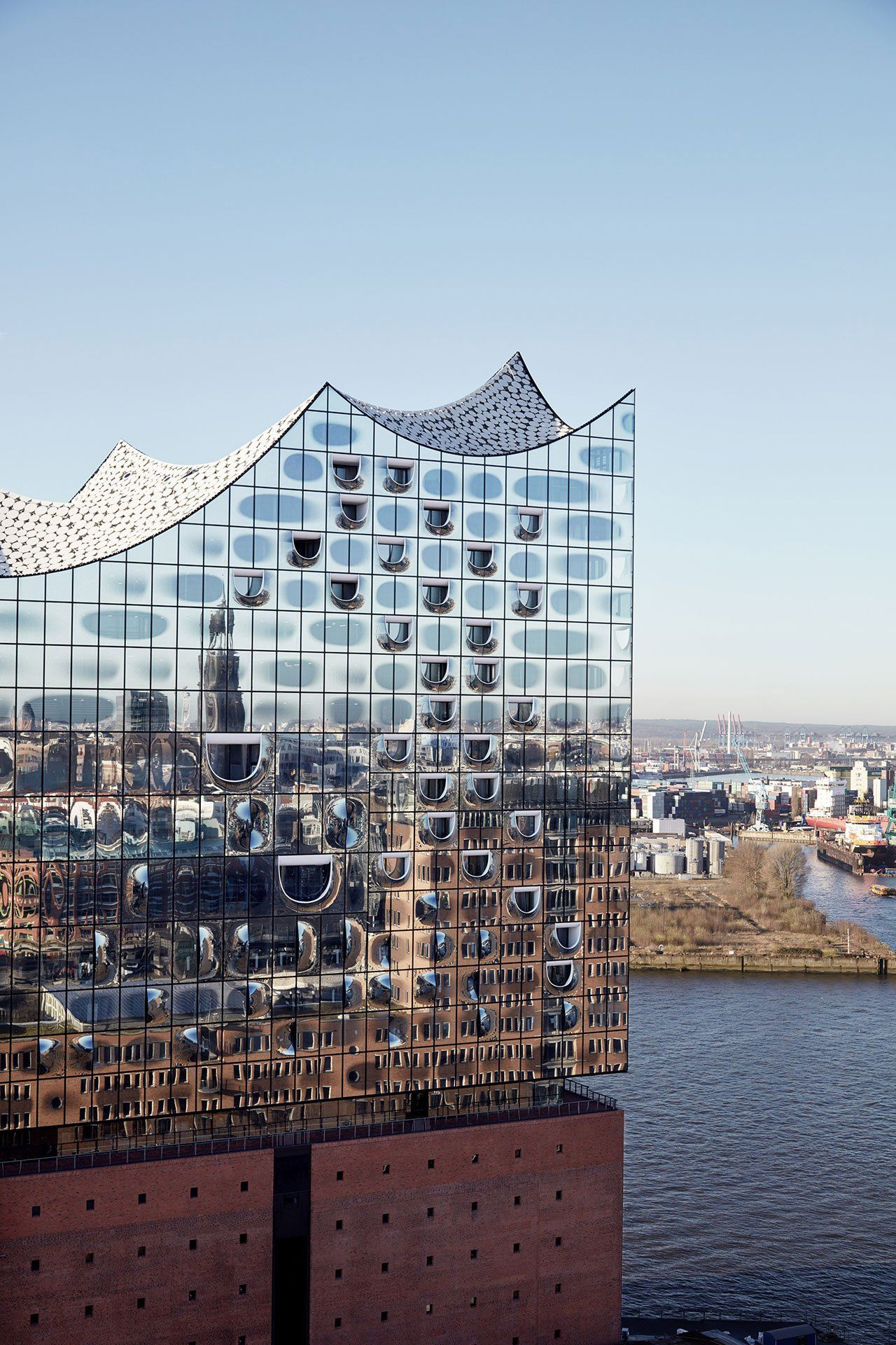 The Majestic Elbphilharmonie In Hamburg By Herzog De Meuron Yatzer Facade Architecture Architecture Exterior Amazing Architecture