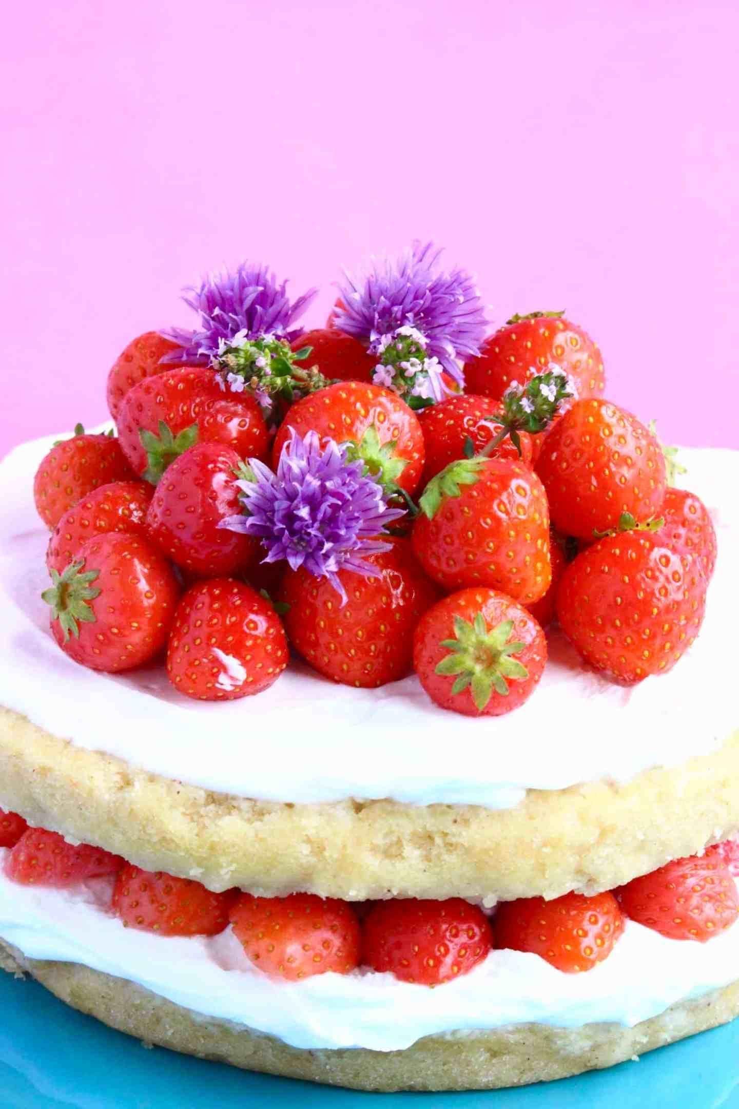 Glutenfree vegan strawberry sponge layer cake gluten
