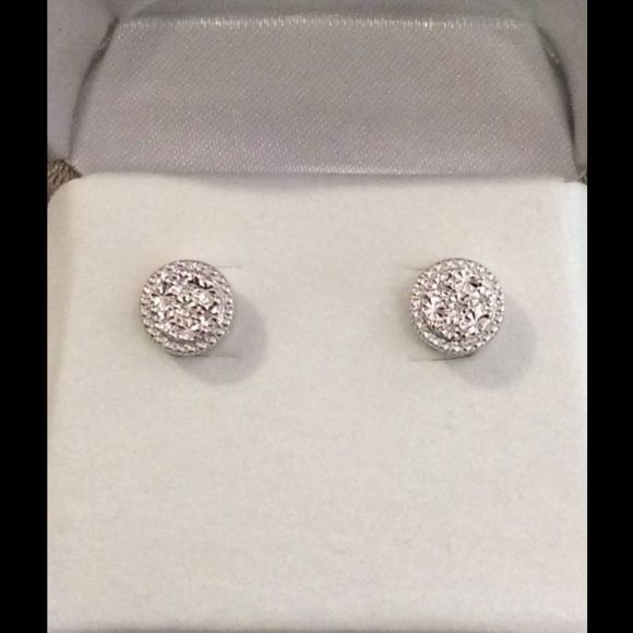 HOLD LAST PAIR Diamond Earrings Kay jewelers Retail and