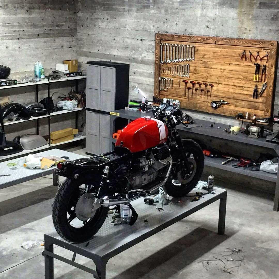 pingl par rafa guillen sur motorbikes pinterest. Black Bedroom Furniture Sets. Home Design Ideas