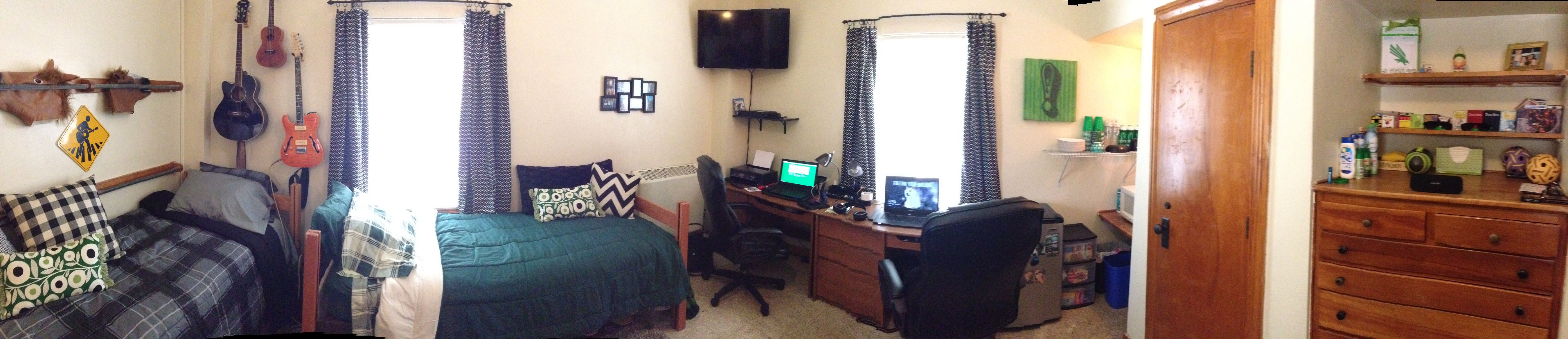 Making A Dorm Room A Home At Unt S Bruce Hall Is A Challenge But