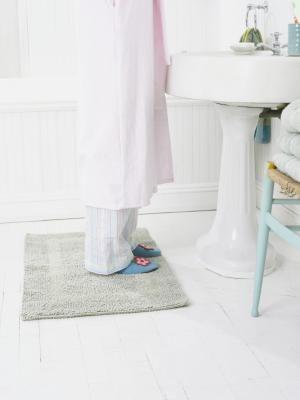 How to Clean a Moldy Bath Mat | Bathroom flooring, Rubber ...