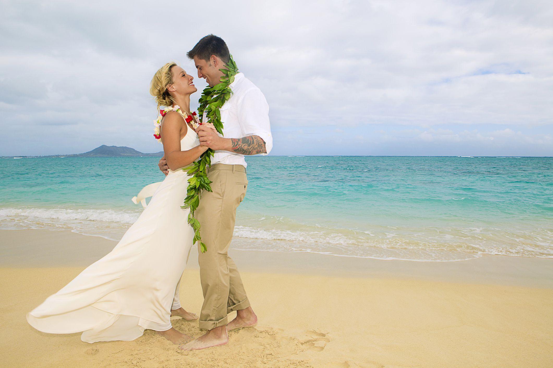 What To Wear To A Summer Wedding Hawaiian Wedding Dress Wedding Outfits For Groom Hawaii Beach Wedding [ 1414 x 2121 Pixel ]