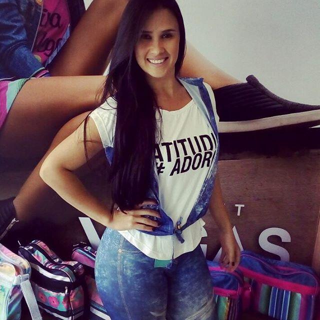 Tamires sempre representando 👏😍 Nossa linda cliente caiu na tendência fake jeans e adorou 💙 Vem ver de pertinho 😉  #artstilo #euuso #euamo