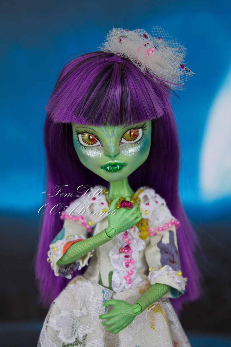 Monster hoch OOAK | Monster High Repaint Puppe | OOAK | Benutzerdefinierte Puppe | Sammlerpuppe Kunst #ooakmonsterhigh Monster hoch OOAK Monster High Repaint Puppe OOAK | Etsy #ooakmonsterhigh