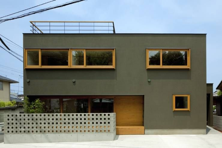 きれいな色をまとったおしゃれな家 ホームウェア 近代的な外観