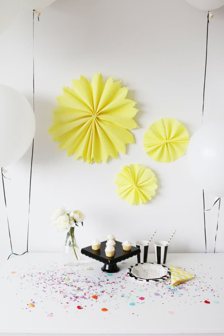 Easy Diy Paper Wall Flowers Little Miss Party In 2020 Flower Wall Diy Paper Easy Diy