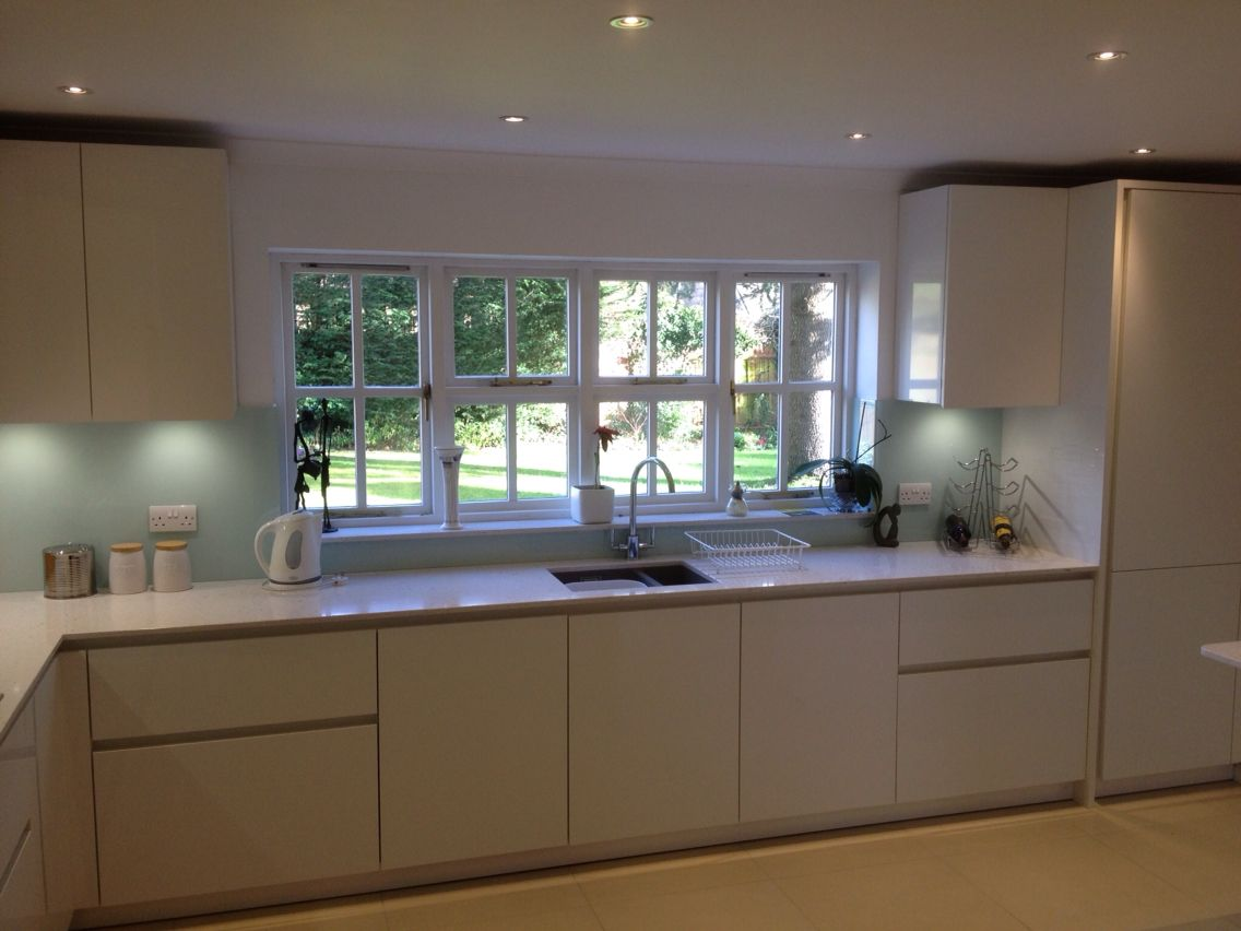 Best Leicht Contino By Redkite Kitchens Beaconsfield Kitchen 400 x 300
