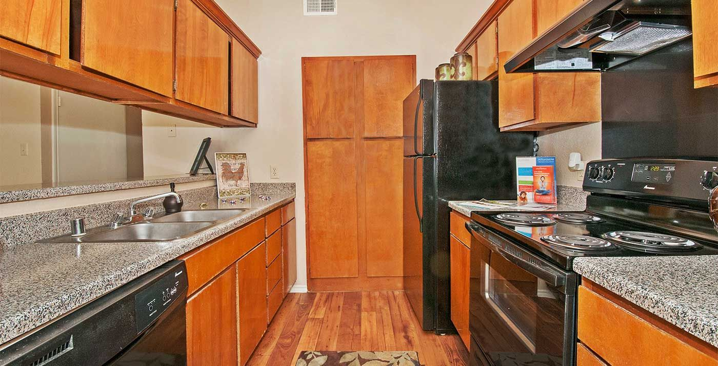 Waterford On The Meadow Apartment Rental Apartments Pet Friendly Apartments