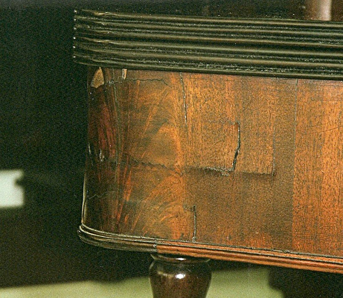 Wood Shrinkage In Antique Furniture Is To Be Expected By Fred Taylor,  Www.furnituredetective.com