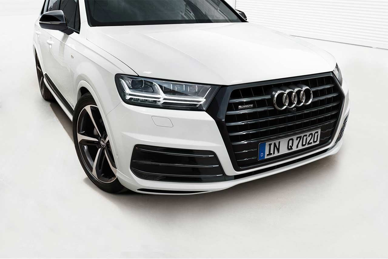 Audi The German Luxury Car Manufacturer Has Launched The Black Edition Of Its Flagship Suv The Audi Q7 In India Audi Q7 Black Audi Q7 Black Audi