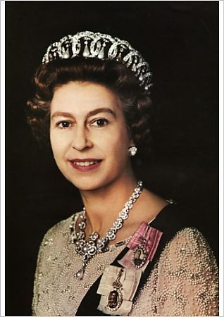 a2 59x42cm poster of portrait of queen elizabeth ii wearing the rh pinterest com