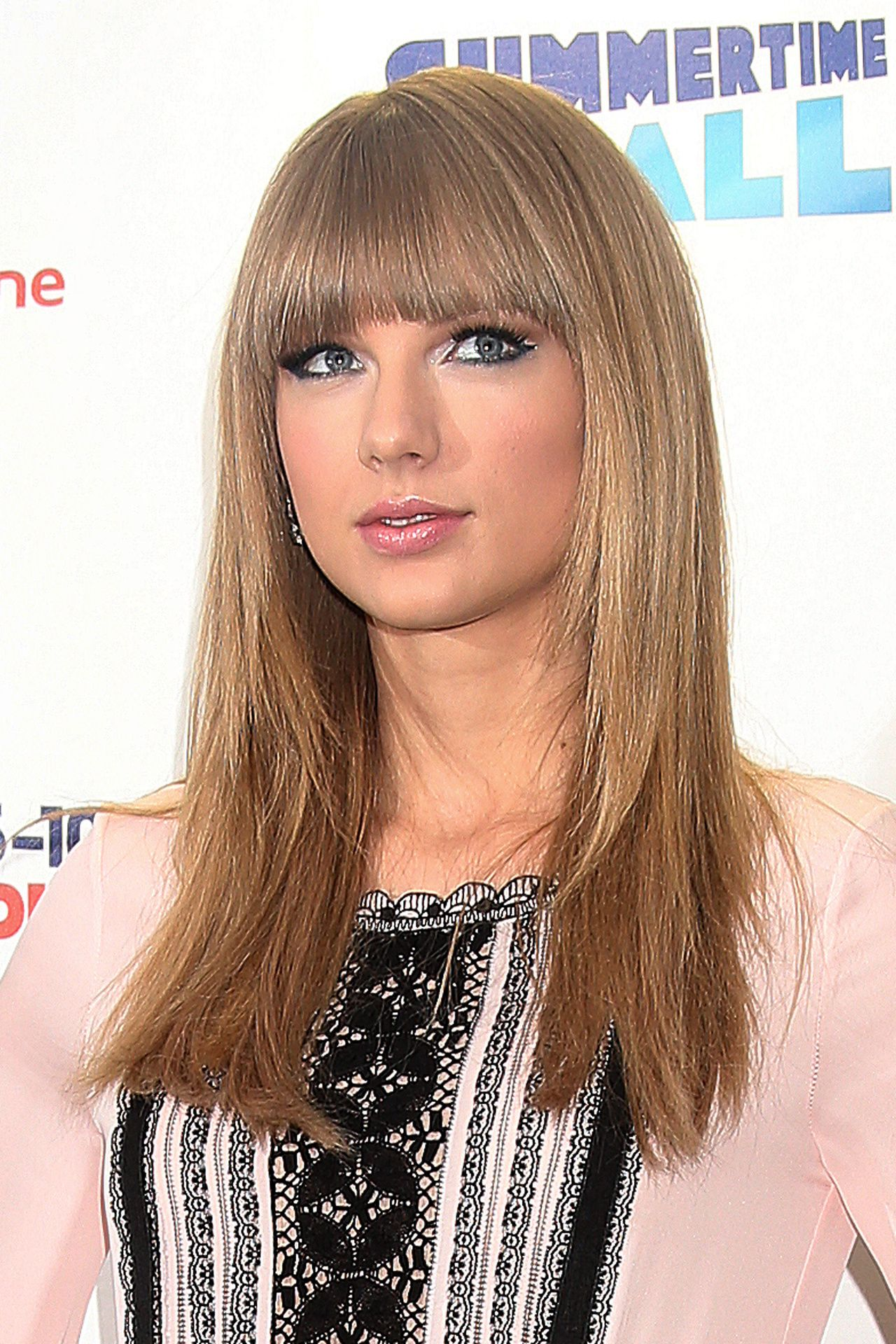 taylor swift cool ash blonde