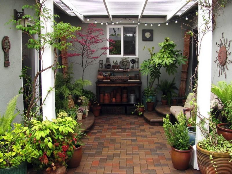 Outdoor patio ideas for small spaces patio design for for Small courtyard landscaping ideas