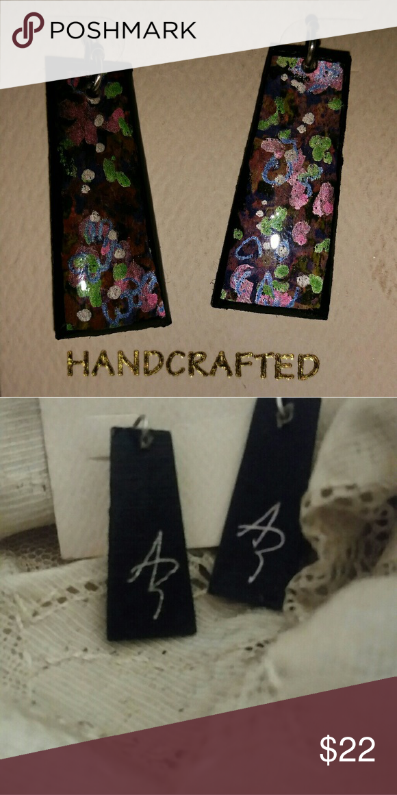 Signed Resin Dangles from Local VA Artisan 1in & Extremely lightweight  Purchased at Fall Foliage Festival  Just gorgeous Jewelry Earrings