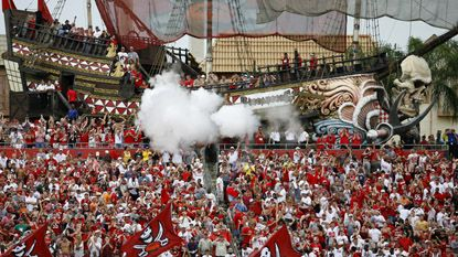Crowd Pleasers Tampa Bay Bucs Tampa Bay Buccaneers Tampa