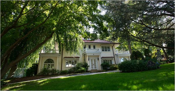 Gatsby country great neck and manhasset bay long Great gatsby house tour