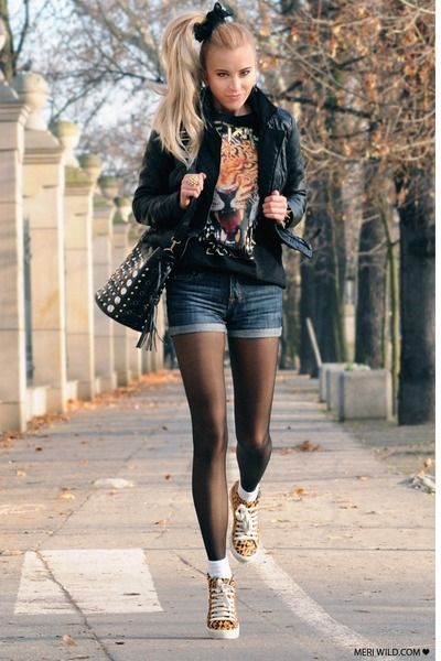 Black-stradivarius-jacket-black-my-red-bag-navy-vintage-shorts