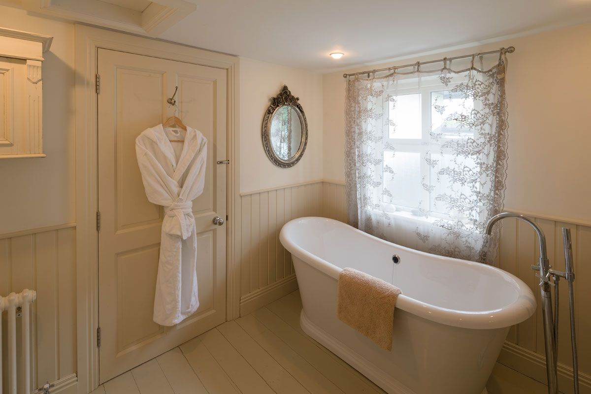 Luxury Bathrooms Ireland luxury bath gowns - luxury modern and contemporary family holiday