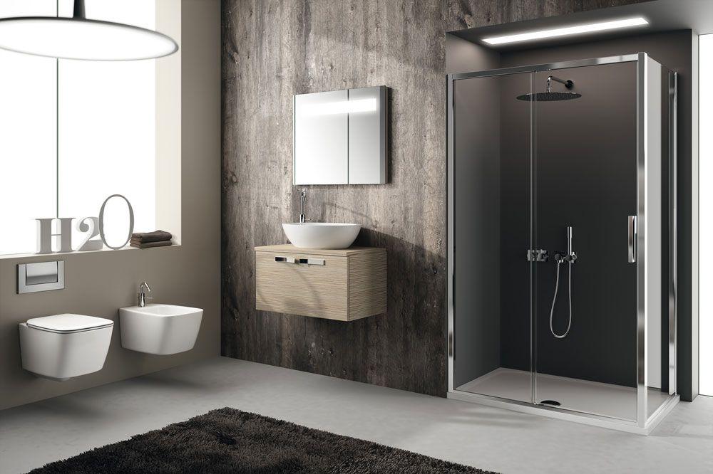 Ideal Standard In foto è presentato il piatto doccia