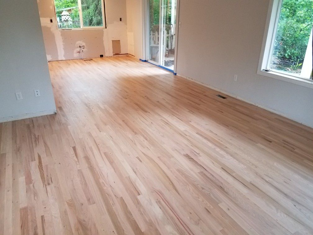 2 1 4 Red Oak Hardwood Floor Installed Sanded Sealer Finished By Mid Valley Hardwood Llc Red Oak Hardwood Floors Red Oak Hardwood Oak Hardwood Flooring