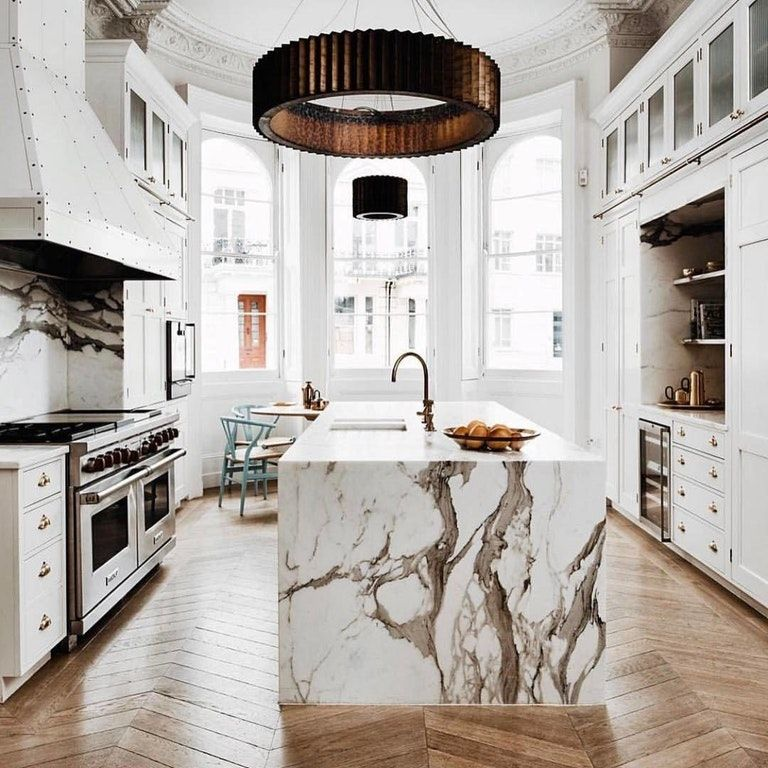 White Marble Kitchen With Herringbone Wood Floors In Notting Hill London 1080x1080 Roomporn White Marble Kitchen Kitchen Marble New Homes