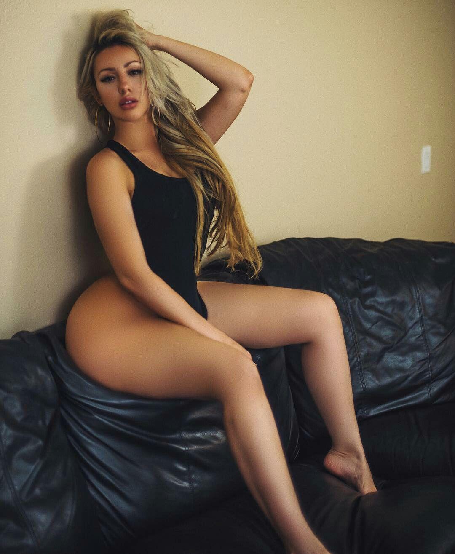 Superstar Elegant Sexy Nude Latinas Images