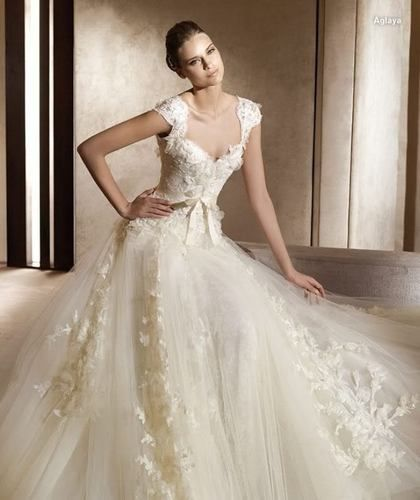 Lace+Tulle Ivory/White Wedding Dress #BridalGown