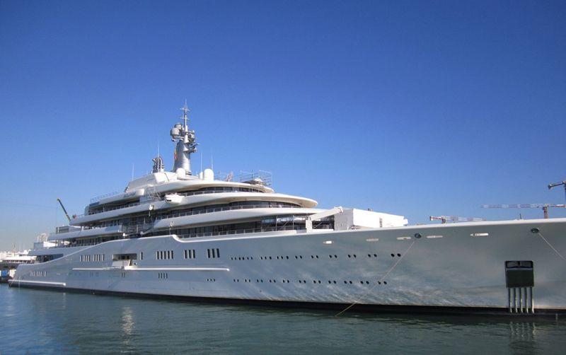 les 3 yachts les plus chers du monde le yacht a t construit par les n erlandais dans le but de. Black Bedroom Furniture Sets. Home Design Ideas