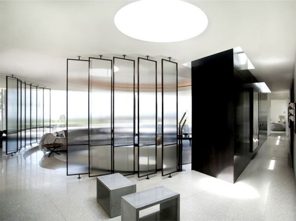 The ultra luxury design of the trousdale estates contemporary house ...