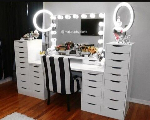 pingl par misty norman sur diy pinterest coiffeur rangements maquillage et salon coiffure. Black Bedroom Furniture Sets. Home Design Ideas