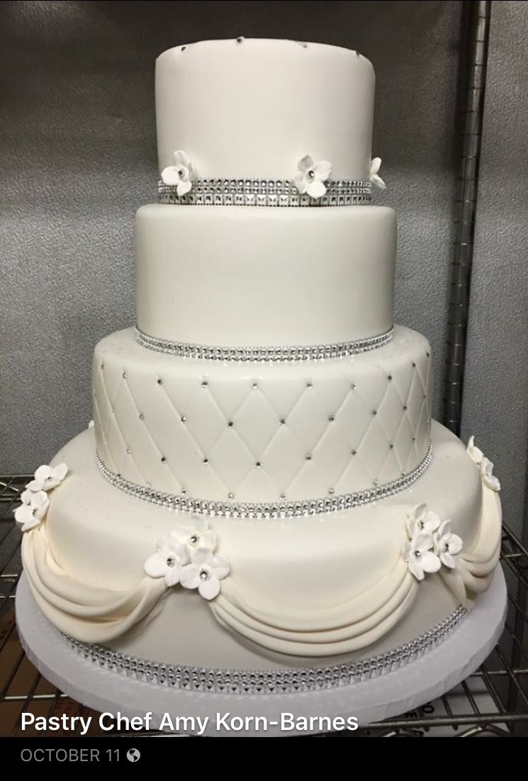 Pin by Amy Korn-Barnes on Wedding cakes | Pinterest | Wedding cake ...